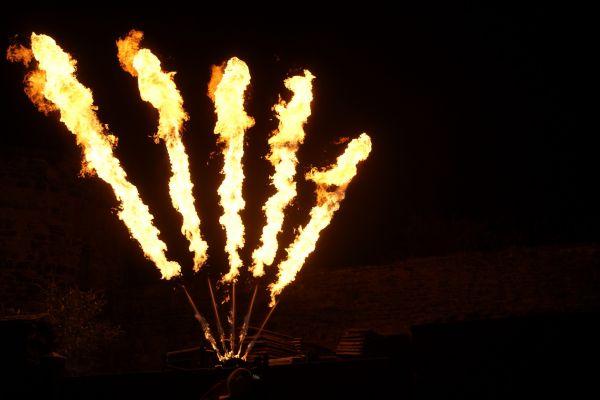 10-metre-flame-systemAE26FCE8-E724-E663-DEB4-FE44900B72BF.jpg